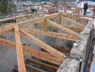 Preparazione del legno per il rifacimento del tetto